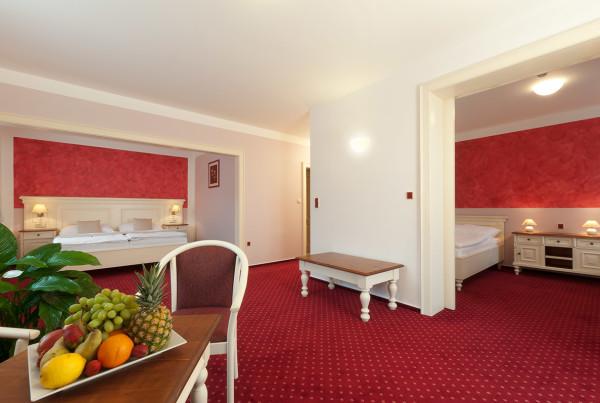 Cerveny-pokoj1